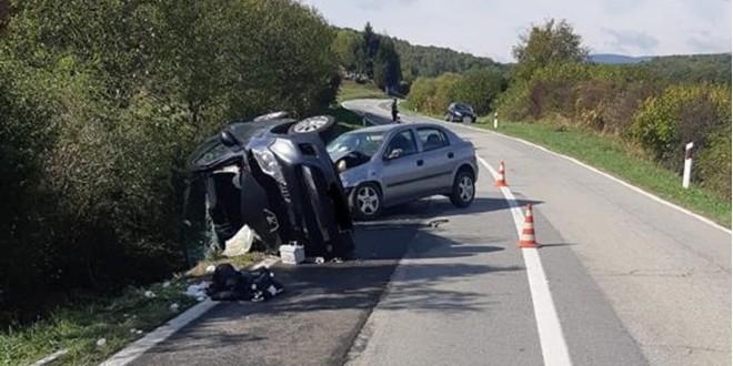 CESTA UZIMA ŽIVOTE: U teškoj prometnoj nesreći zlijeđeno dvogodišnje dijete, umro mladić