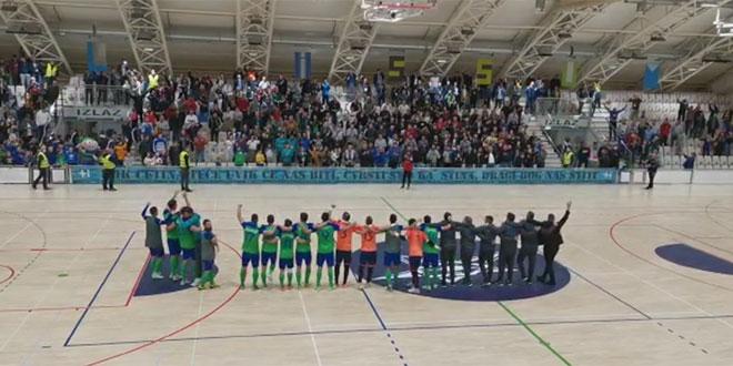 VIDEO: Igrači Olmissuma nakon pobjede zajedno s navijačima zapjevali Moja domovina